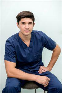 Абраров Ильгиз Разатович, стоматолог-хирург